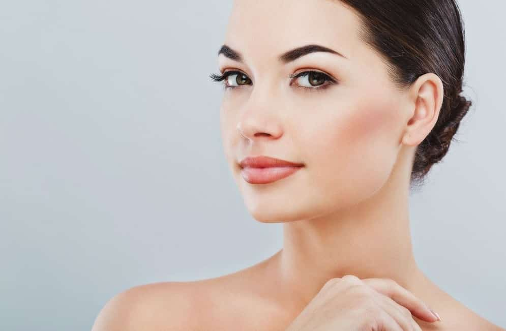 steps to get perfect eyebrows using eyebrow trimmer
