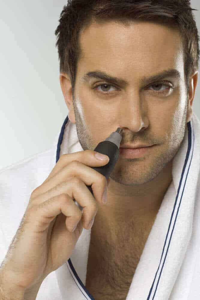 difference between nose hair trimmer and scissors-1